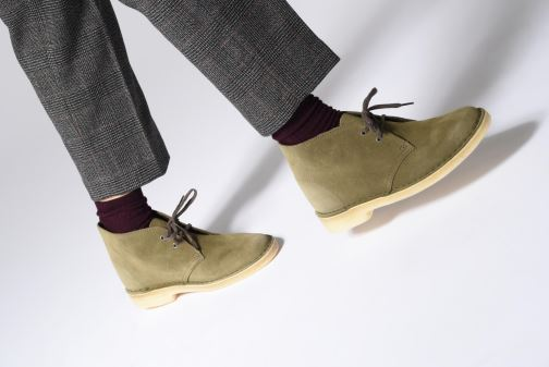 Botines  Clarks Originals Desert Boot Negro vista de abajo