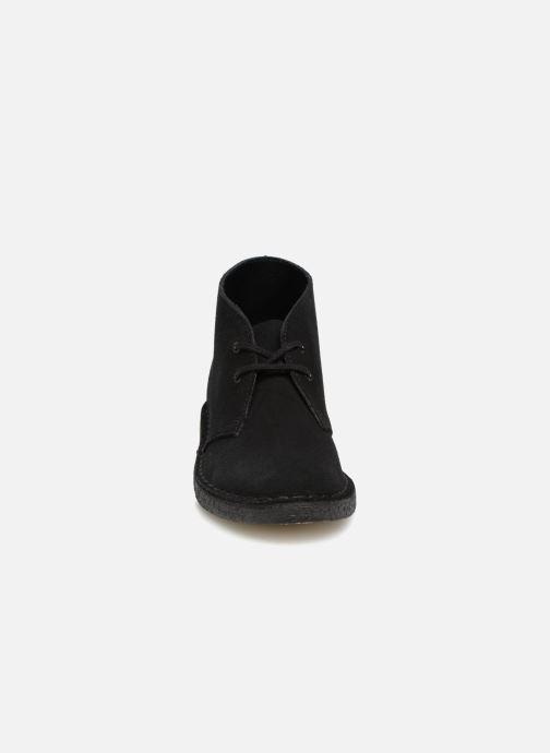 Bottines et boots Clarks Originals Desert Boot Noir vue portées chaussures