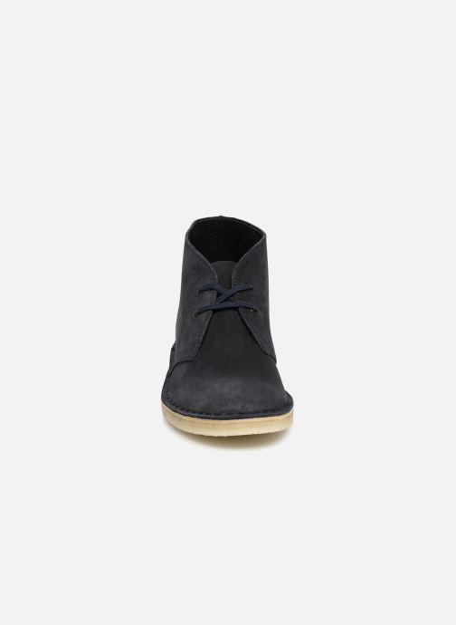 Bottines et boots Clarks Originals Desert Boot Bleu vue portées chaussures