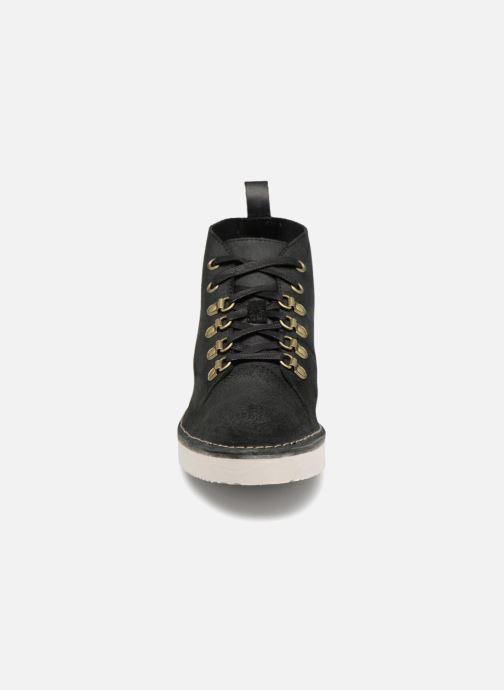 Baskets Clarks Originals Nala Hike Noir vue portées chaussures
