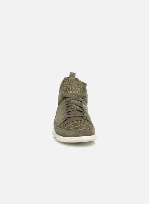 Baskets Clarks Originals Trigenic Evo. Vert vue portées chaussures
