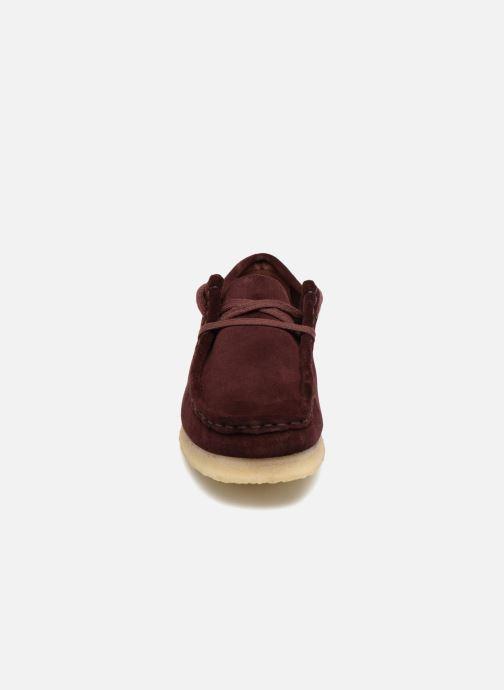 Chaussures à lacets Clarks Originals Wallabee. Bordeaux vue portées chaussures