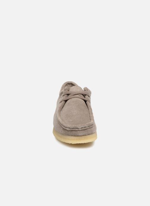 Schnürschuhe Clarks Originals Wallabee. grau schuhe getragen
