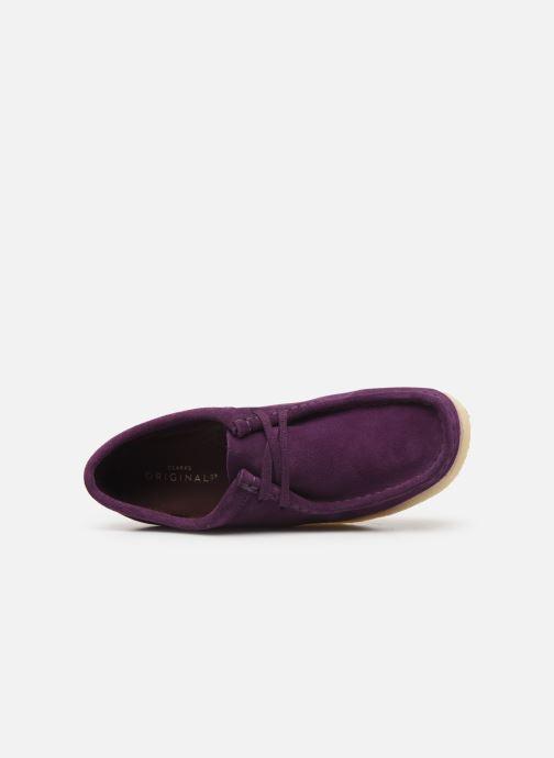 Chaussures à lacets Clarks Originals Wallabee. Violet vue gauche