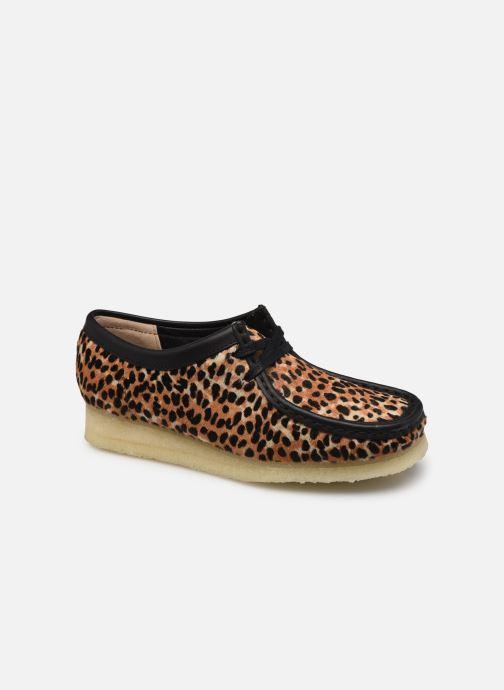 Chaussures à lacets Clarks Originals Wallabee. Marron vue détail/paire