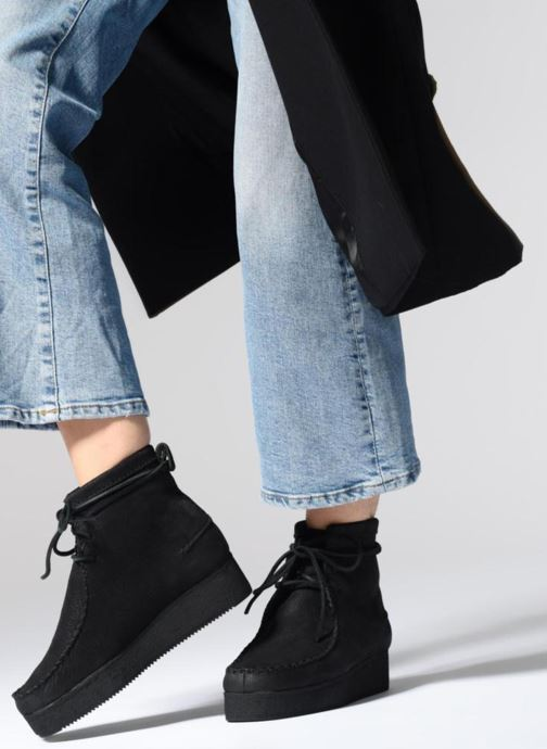 Ankle boots Clarks Originals Wallabee Craft Black view from underneath / model view
