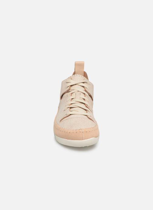 Baskets Clarks Originals Trigenic Flex. Beige vue portées chaussures