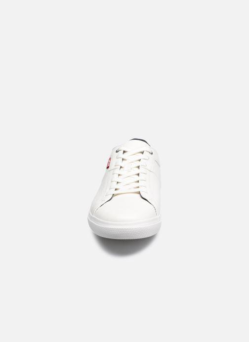 Baskets Levi's Woods 2 Blanc vue portées chaussures