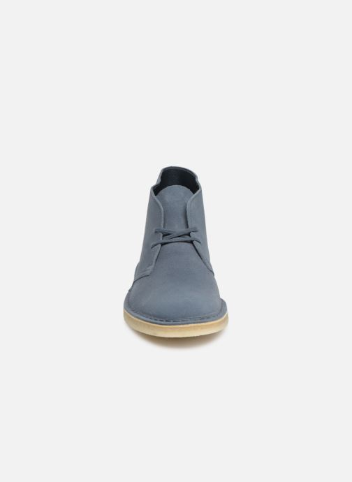 Bottines et boots Clarks Originals Desert Boot M Bleu vue portées chaussures