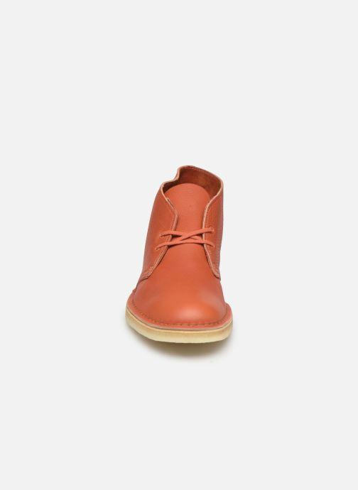 Bottines et boots Clarks Originals Desert Boot M Orange vue portées chaussures