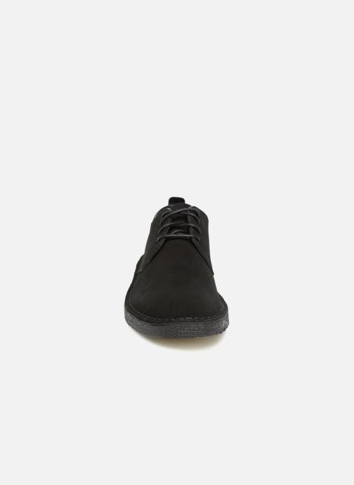 Chaussures à lacets Clarks Originals Desert London M Noir vue portées chaussures
