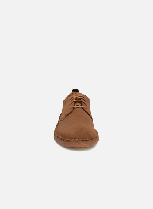 Chaussures à lacets Clarks Originals Desert London M Marron vue portées chaussures
