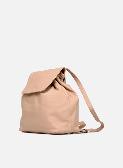 Mochilas Close KATE Beige vista del modelo
