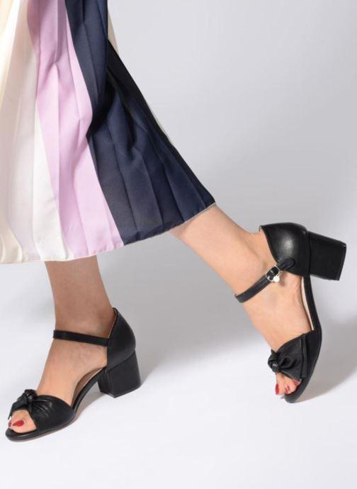 Sandales et nu-pieds Xti 30700 Noir vue bas / vue portée sac