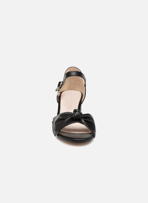 Sandales et nu-pieds Xti 30700 Noir vue portées chaussures