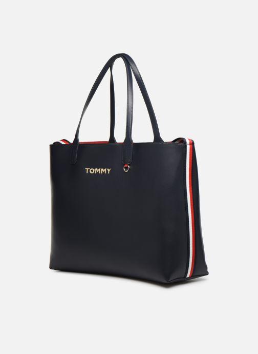 Sacs à main Tommy Hilfiger ICONIC TOMMY TOTE Bleu vue portées chaussures