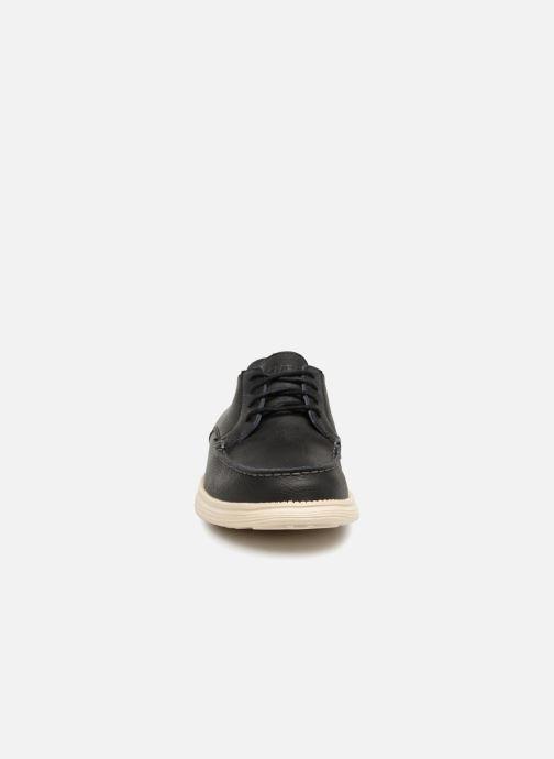 Schnürschuhe Skechers Status Lerado schwarz schuhe getragen