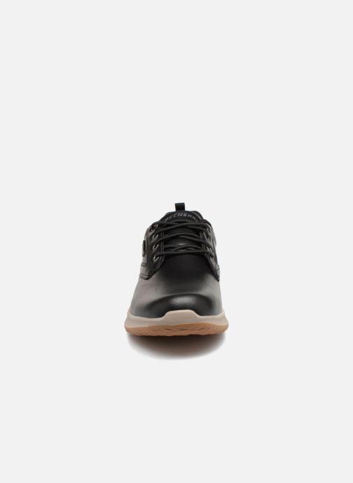 Baskets Skechers Delson Antigo Noir vue portées chaussures