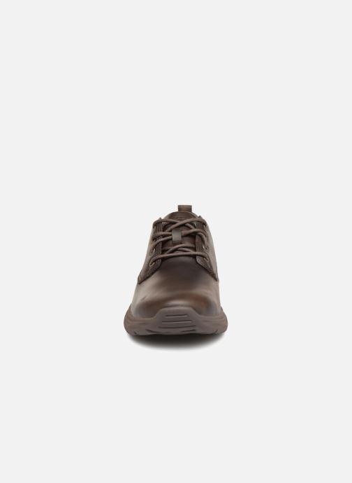 Zapatos con cordones Skechers Harsen Artson Marrón vista del modelo