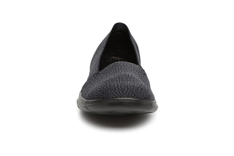 Sneakers Skechers Go Walk Lite Smitten Svart bild av skorna på