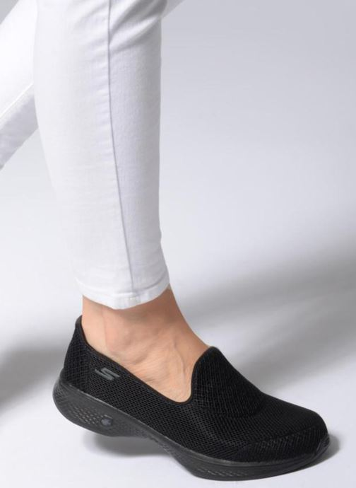 Trainers Skechers Go Walk 4 Propel Black view from underneath / model view