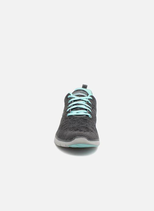 Sportschuhe Skechers Flex Appeal 3.0 grau schuhe getragen