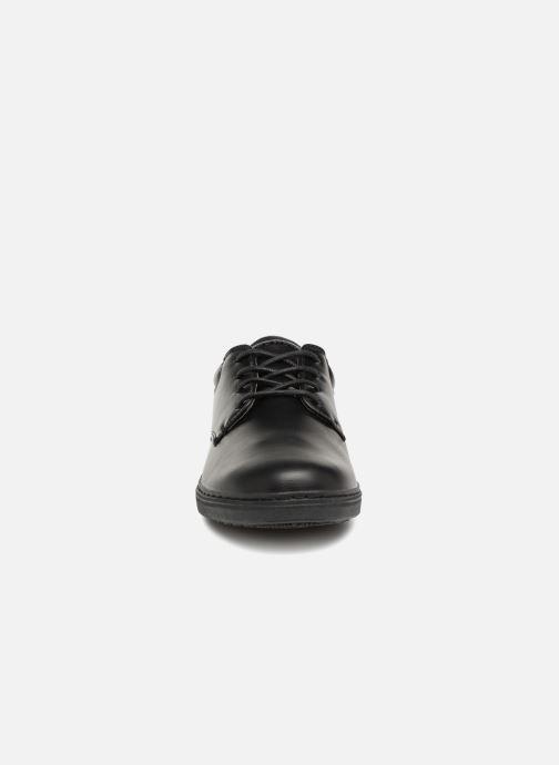 Schnürschuhe Skechers Lanson Escape schwarz schuhe getragen