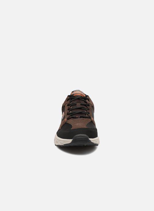 Sportssko Skechers Oak Canyon Brun se skoene på