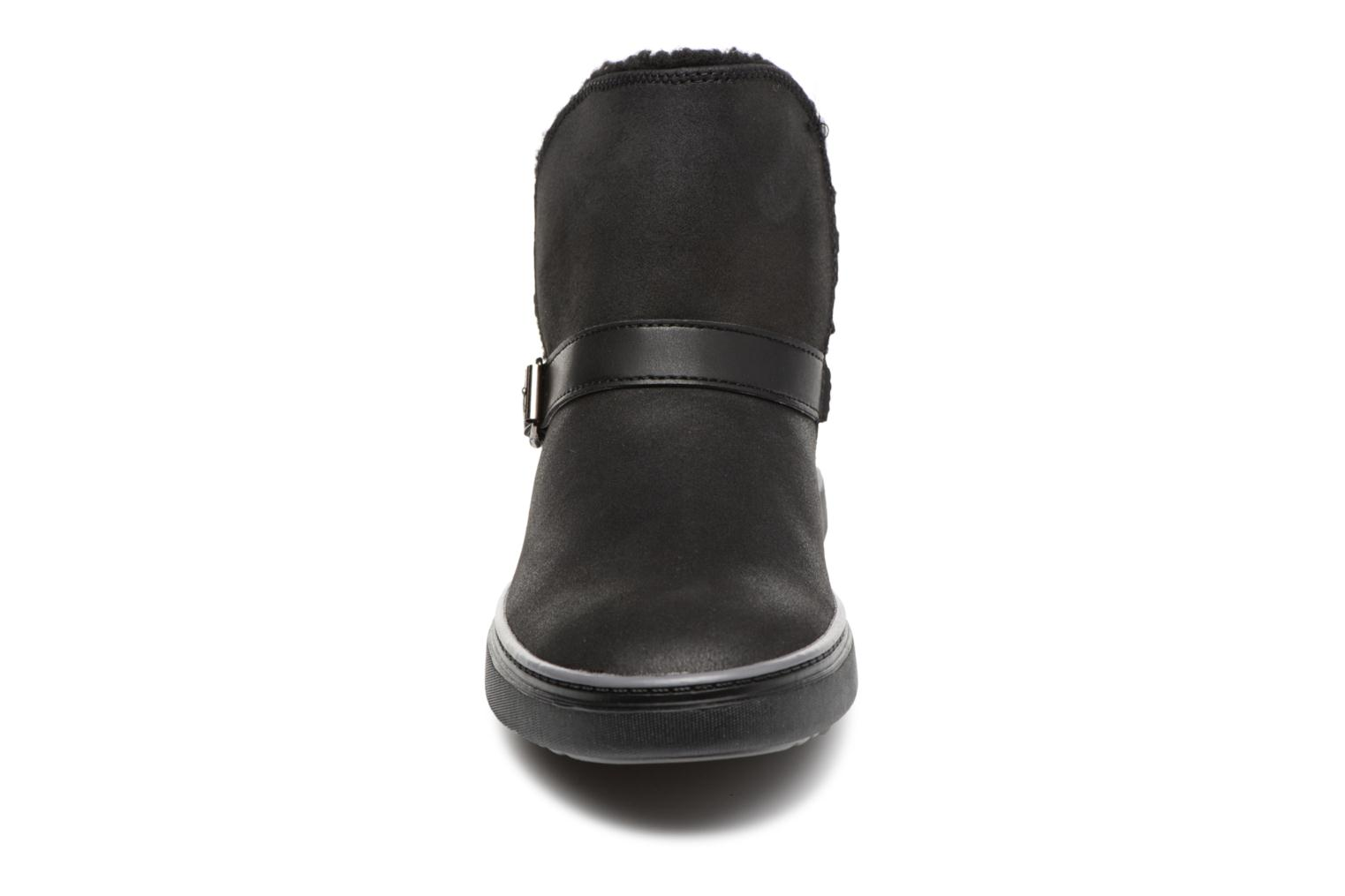 Botines  Skechers Keepsneak Pocatello Negro vista del modelo