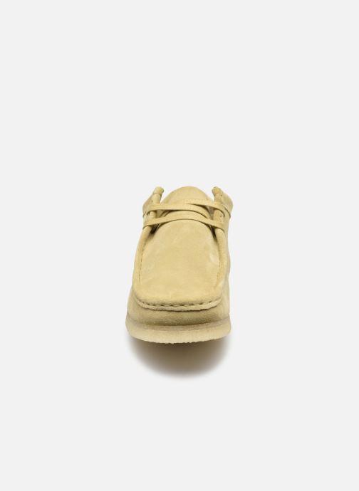Schnürschuhe Clarks Originals Wallabee weiß schuhe getragen
