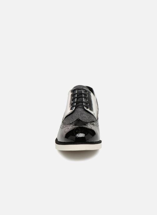 Zapatos con cordones COSMOPARIS ELA Negro vista del modelo