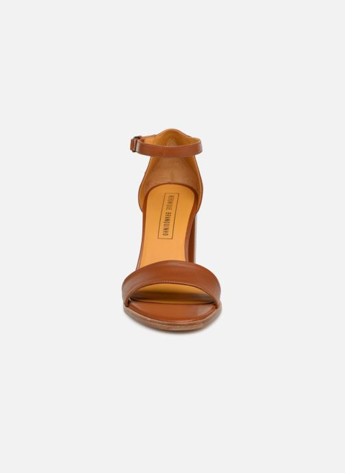 Sandales et nu-pieds Veronique Branquinho Sandales à talon Marron vue portées chaussures