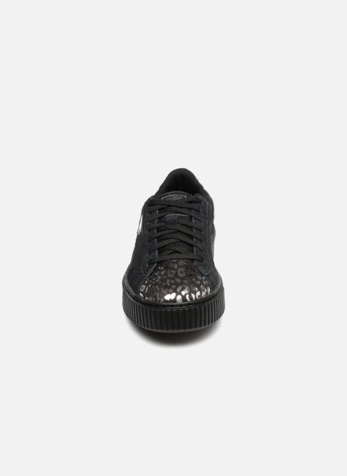 Sneakers Puma Suede Platform Ath Lux Nero modello indossato