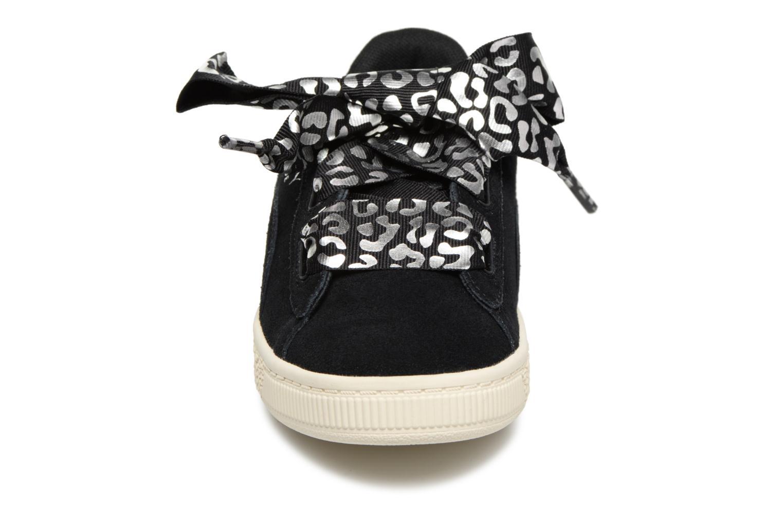 Baskets Puma Suede Heart Ath Lux J Noir vue portées chaussures
