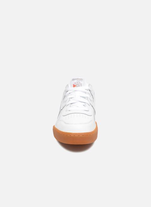 Baskets Reebok Workout Plus J Blanc vue portées chaussures