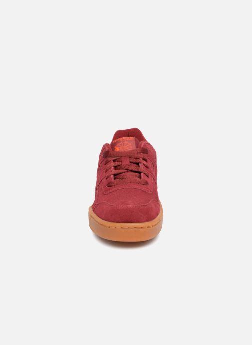 Baskets Reebok Workout Plus J Bordeaux vue portées chaussures