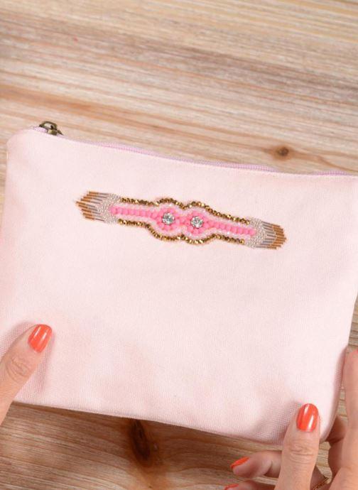 Kleine lederwaren Amenapih by Hipanema Pochette Pink Roze onder
