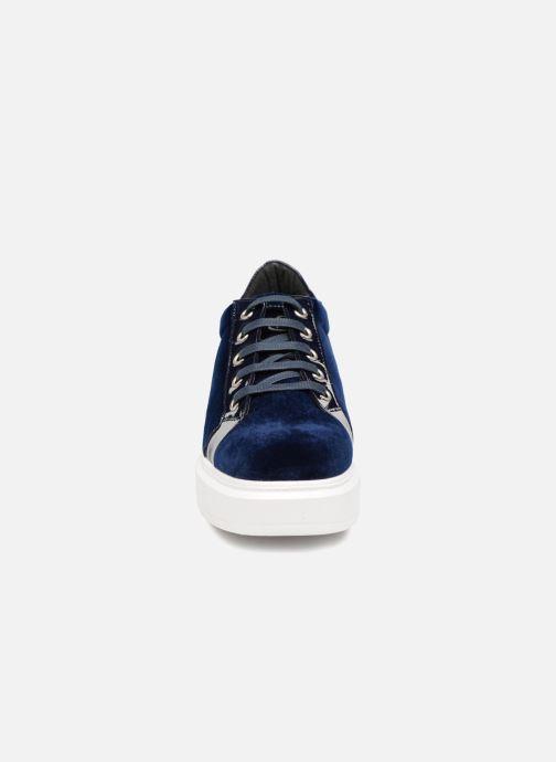 Sneaker Kanna KI7840 blau schuhe getragen