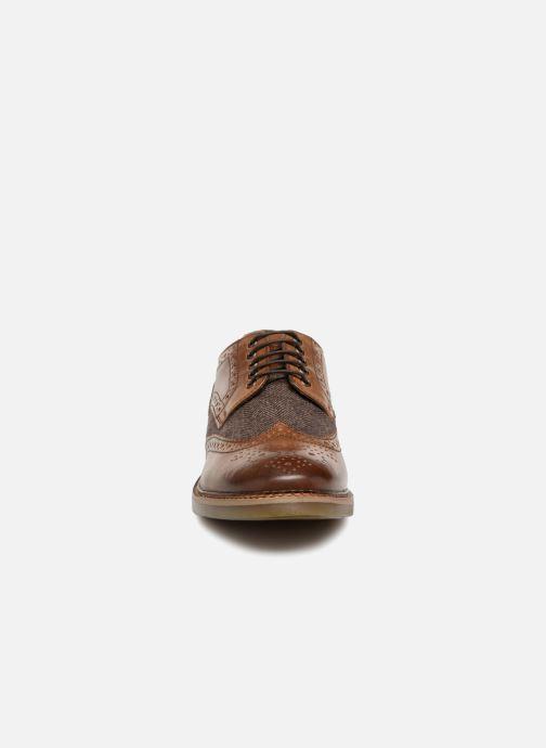 Zapatos con cordones Base London ROTHKO Marrón vista del modelo