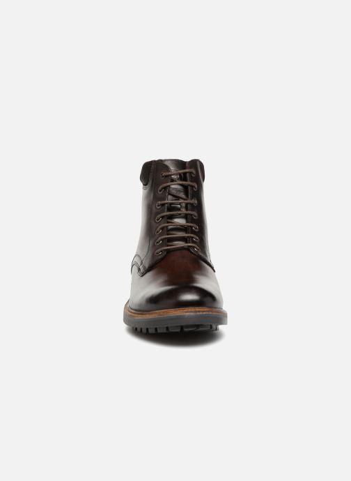 Boots en enkellaarsjes Base London ELK Bruin model