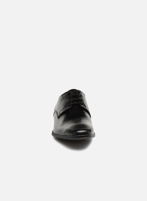 Zapatos con cordones Base London TYNE Negro vista del modelo