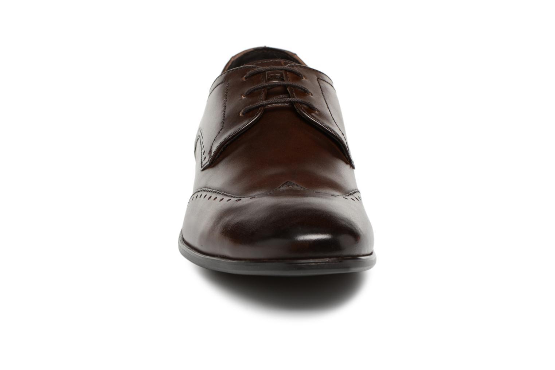 Chaussures à lacets Base London BUCKINGHAM Marron vue portées chaussures