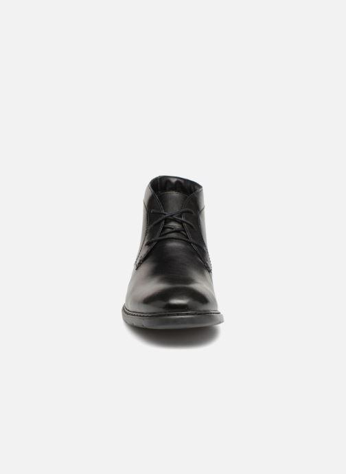 Bottines et boots Clarks Banbury Mid Noir vue portées chaussures