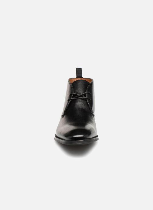Bottines et boots Clarks Gilman Mid Noir vue portées chaussures
