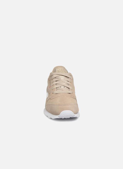Baskets Reebok Classic Leather J Beige vue portées chaussures