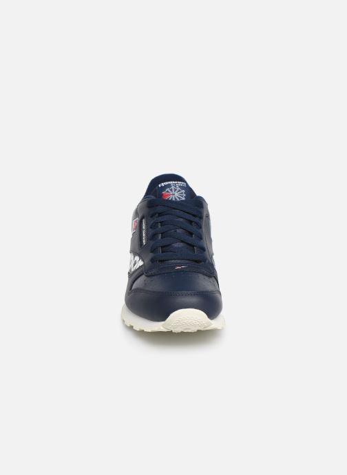 Sneakers Reebok Classic Leather J Azzurro modello indossato