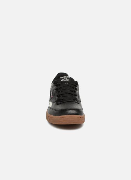 Baskets Reebok Revenge Noir vue portées chaussures
