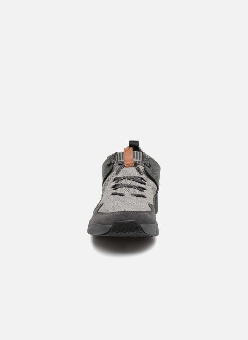 Baskets Clarks TriActiveUpGTX Noir vue portées chaussures