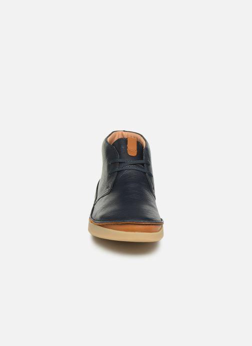 Bottines et boots Clarks Oakland Rise Bleu vue portées chaussures