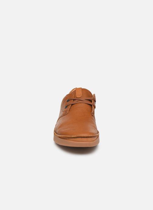 Zapatos con cordones Clarks Oakland Lace Marrón vista del modelo